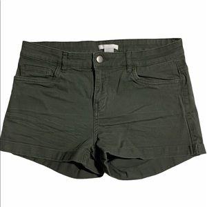 3/$30 H&M khaki green shorts